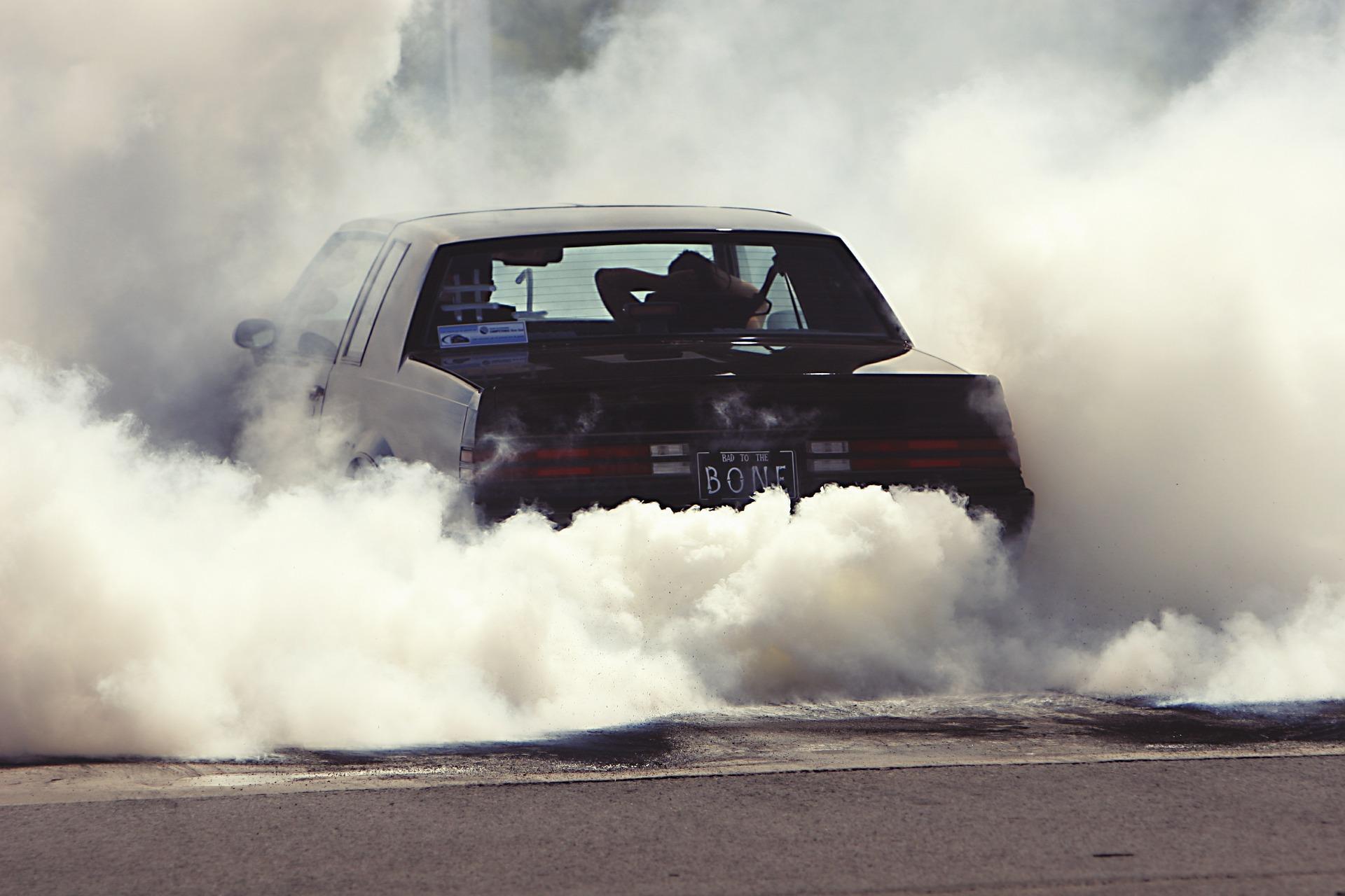 blowing-smoke_bonefly_racing